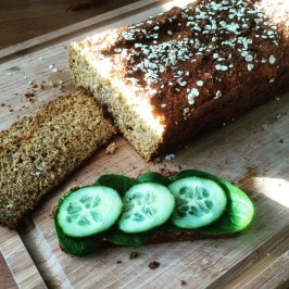 frisches selbst gebackenes Low Carb Brot