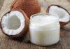 Kokosöl mit Kokosnüssen